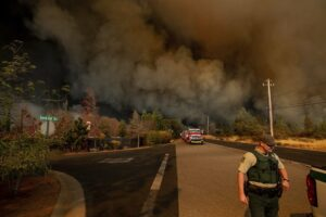 Smoke billowing as devastating wildfire grips the town of Paradise